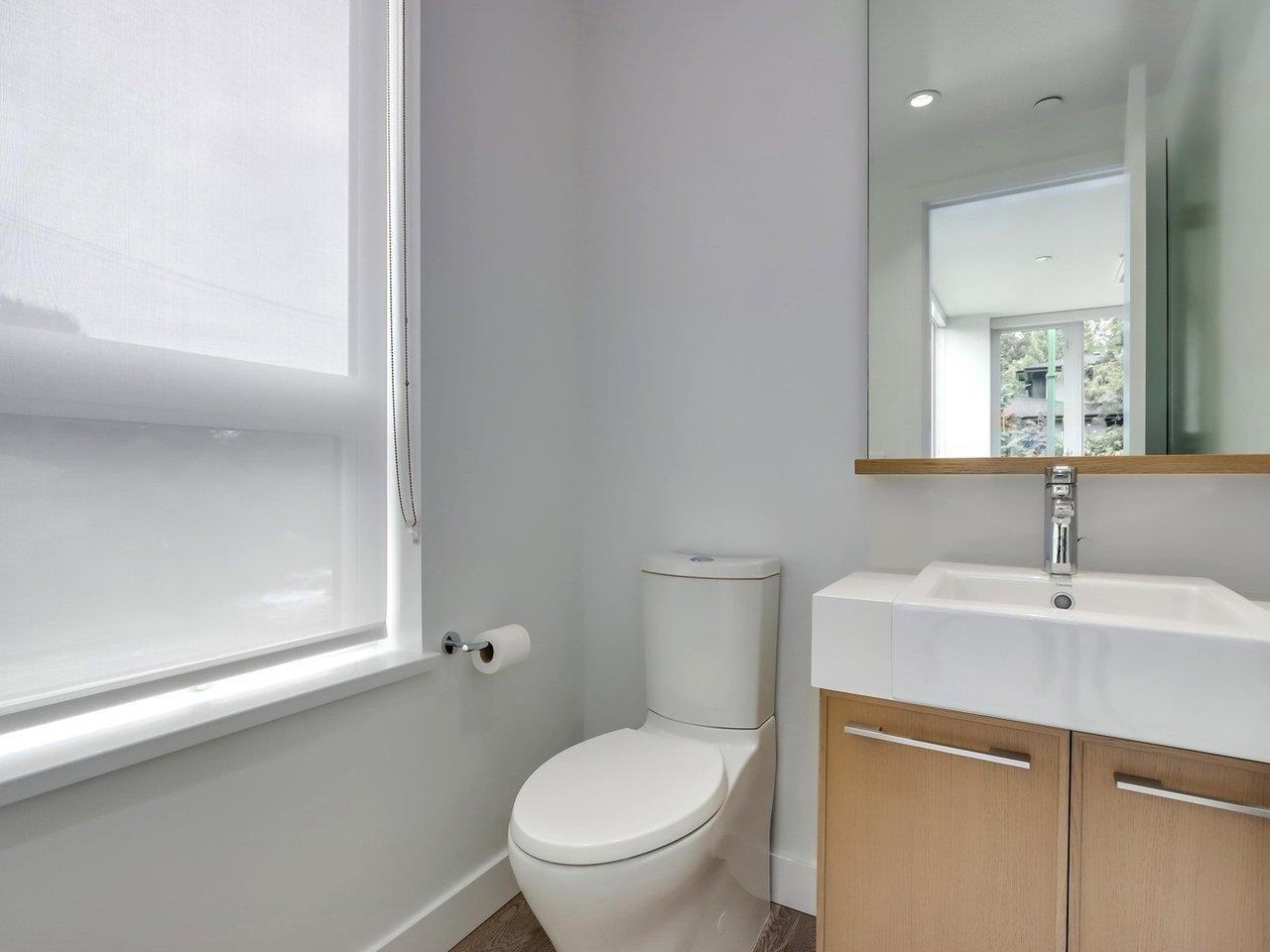 202 1055 RIDGEWOOD DRIVE - Edgemont Townhouse for sale, 3 Bedrooms (R2611487) - #13
