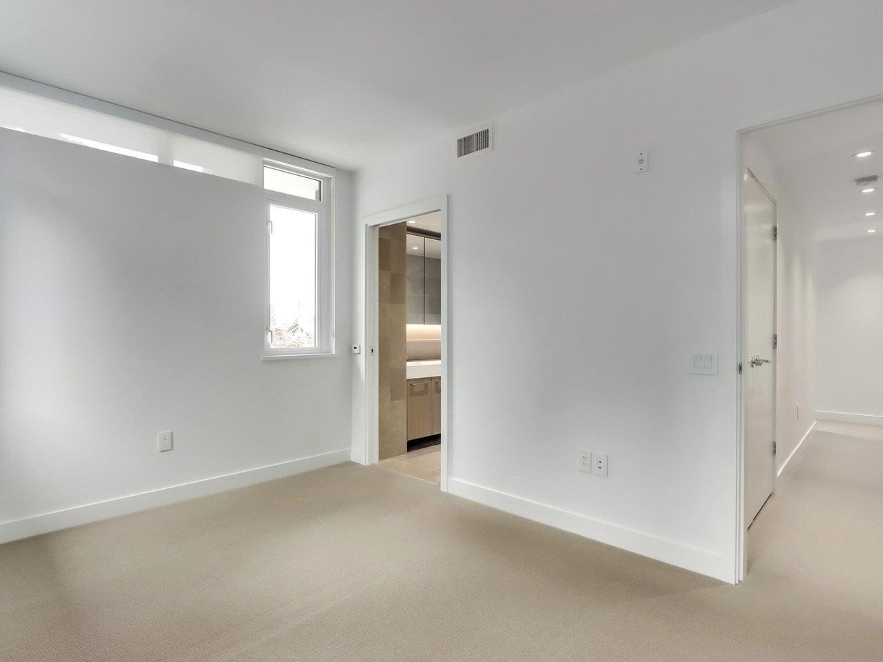 202 1055 RIDGEWOOD DRIVE - Edgemont Townhouse for sale, 3 Bedrooms (R2611487) - #16