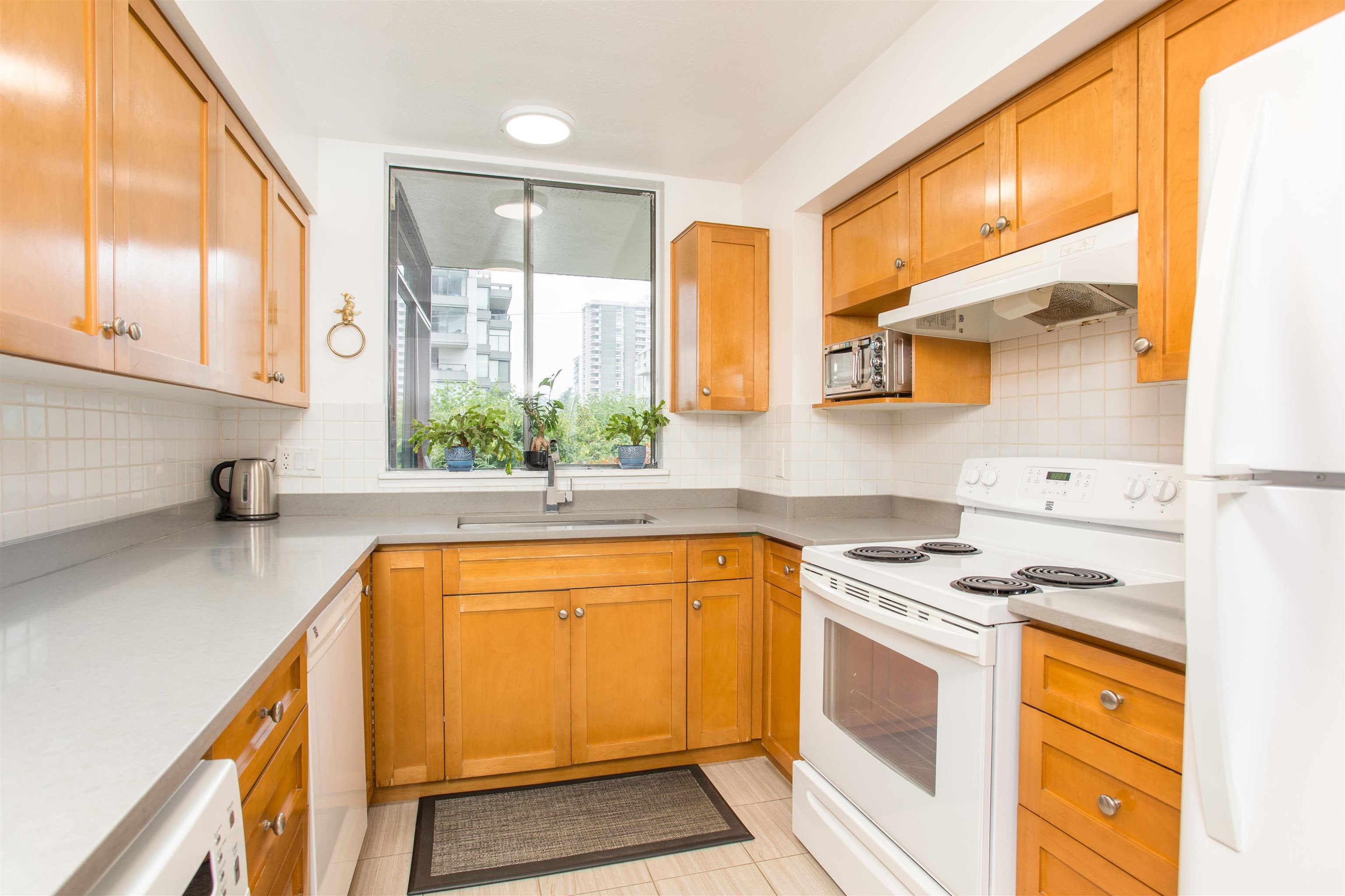 203 1390 DUCHESS AVENUE - Ambleside Apartment/Condo for sale, 1 Bedroom (R2611618) - #13