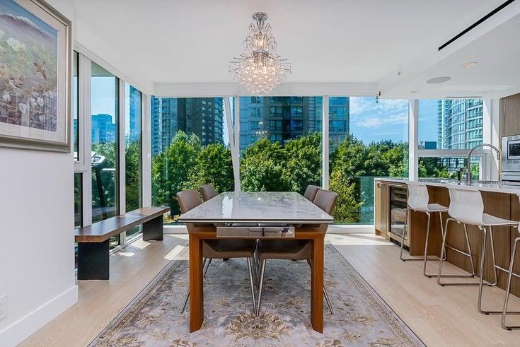 303 499 PACIFIC STREET - Yaletown Apartment/Condo for sale, 2 Bedrooms (R2611639)