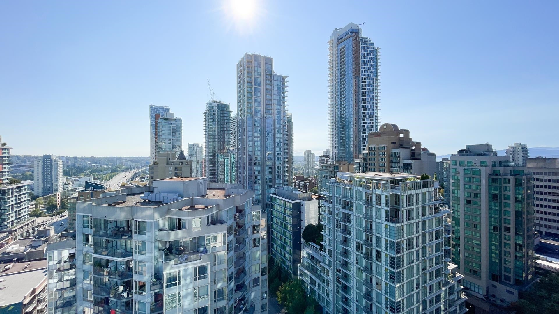 2104 1188 HOWE STREET - Downtown VW Apartment/Condo for sale, 1 Bedroom (R2612001) - #1