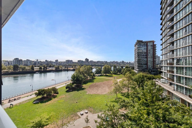 705 8 SMITHE MEWS - Yaletown Apartment/Condo for sale, 2 Bedrooms (R2612133)