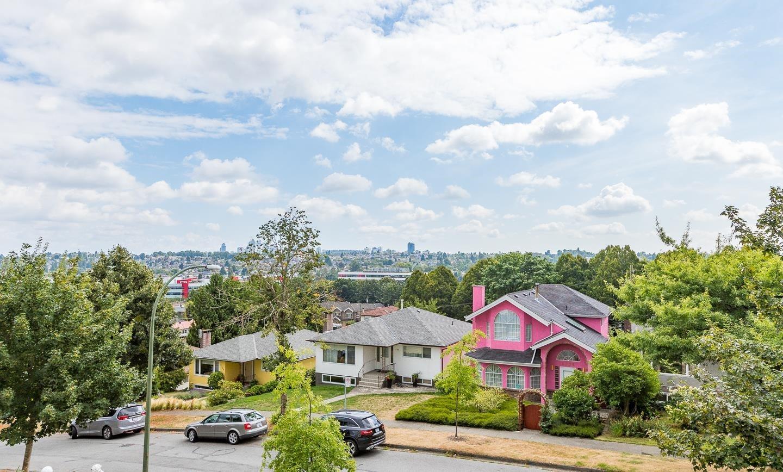 2749 E 8 AVENUE - Renfrew VE House/Single Family for sale, 6 Bedrooms (R2612276) - #1