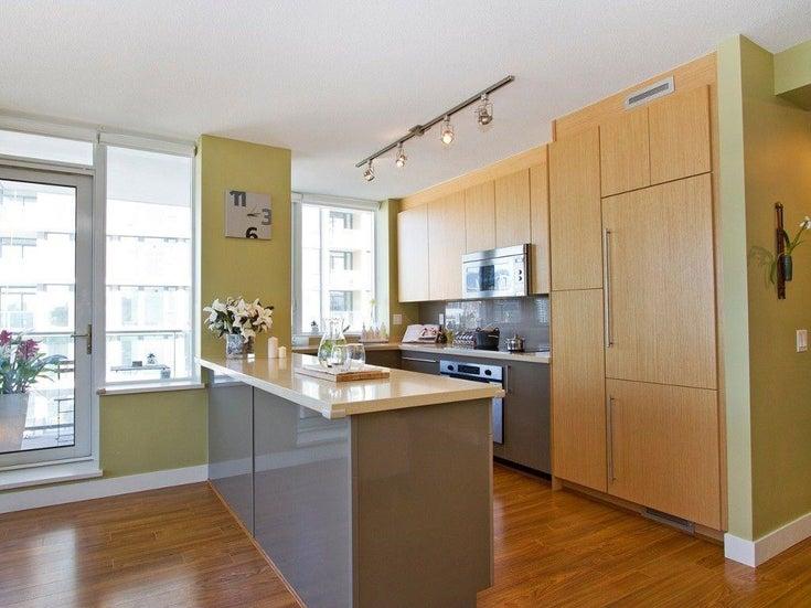 803 1833 CROWE STREET - False Creek Apartment/Condo for sale, 2 Bedrooms (R2612384)