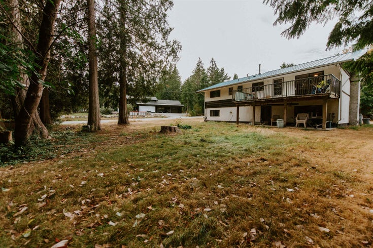 7761 FAWN ROAD - Halfmn Bay Secret Cv Redroofs House/Single Family for sale, 4 Bedrooms (R2612884)