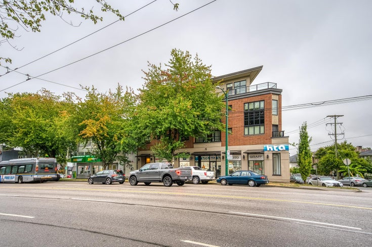 302 1777 KINGSWAY - Victoria VE Apartment/Condo for sale, 2 Bedrooms (R2613210)