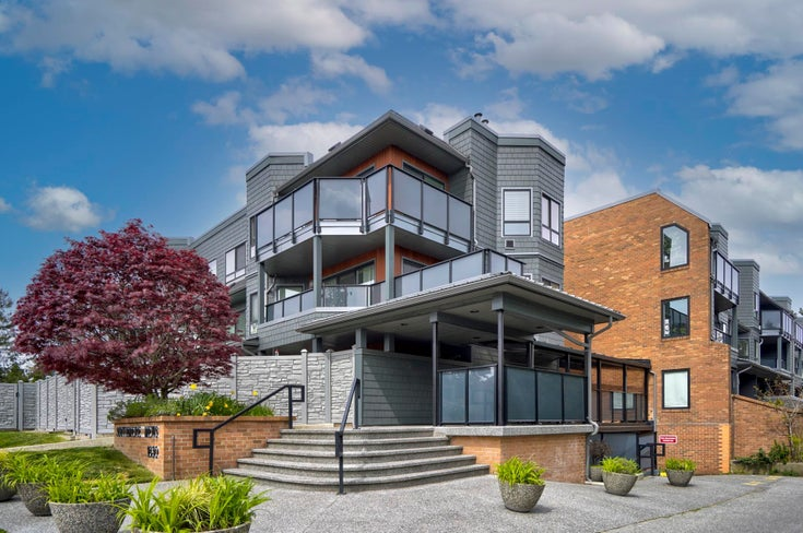 302 1830 E  SOUTHMERE CRESCENT - Sunnyside Park Surrey Apartment/Condo for sale, 2 Bedrooms (R2613700)