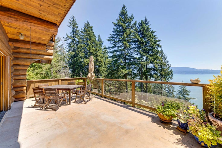 227 HIGHLAND TRAIL - Bowen Island House/Single Family for sale, 2 Bedrooms (R2613709)