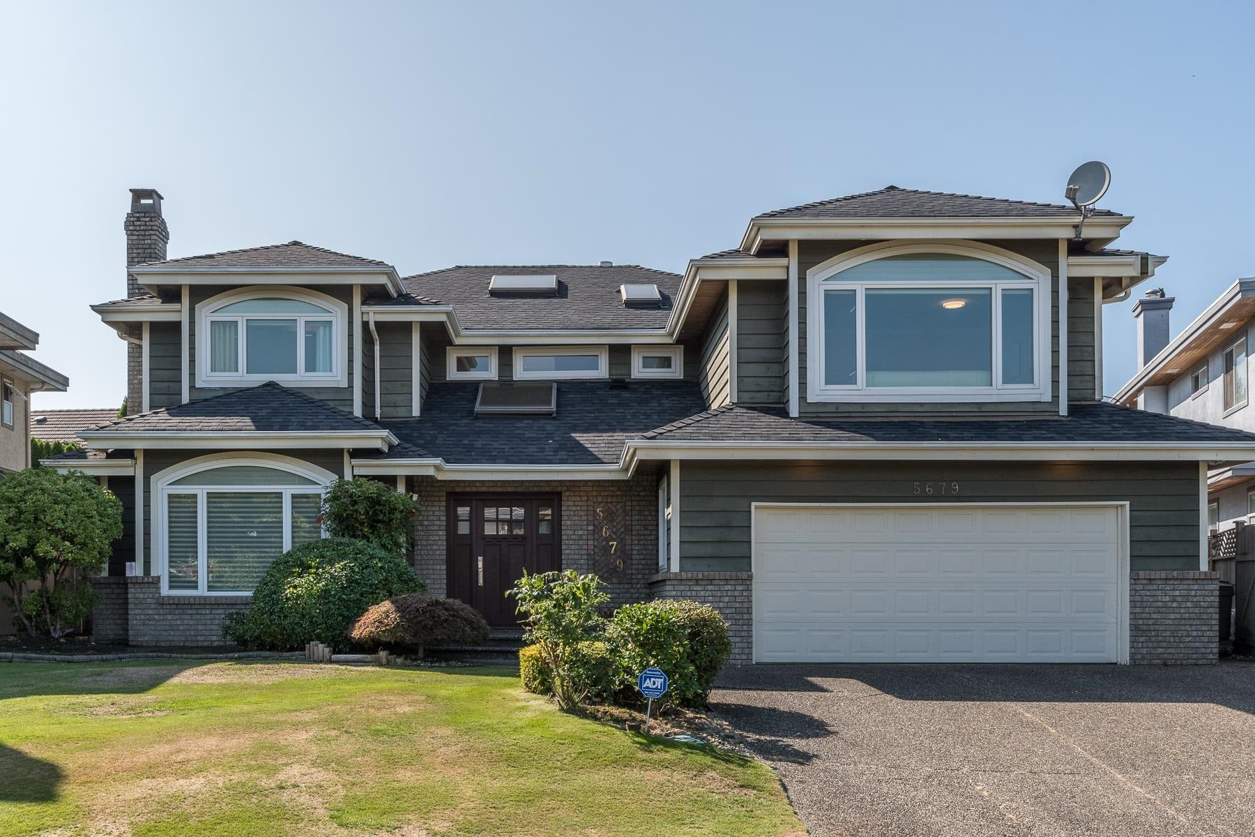 5679 CORNWALL PLACE - Terra Nova House/Single Family for sale, 5 Bedrooms (R2613888)