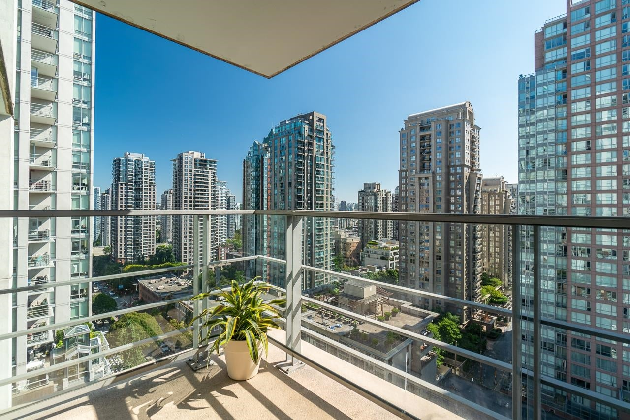 1601 565 SMITHE STREET - Downtown VW Apartment/Condo for sale, 2 Bedrooms (R2614066) - #1