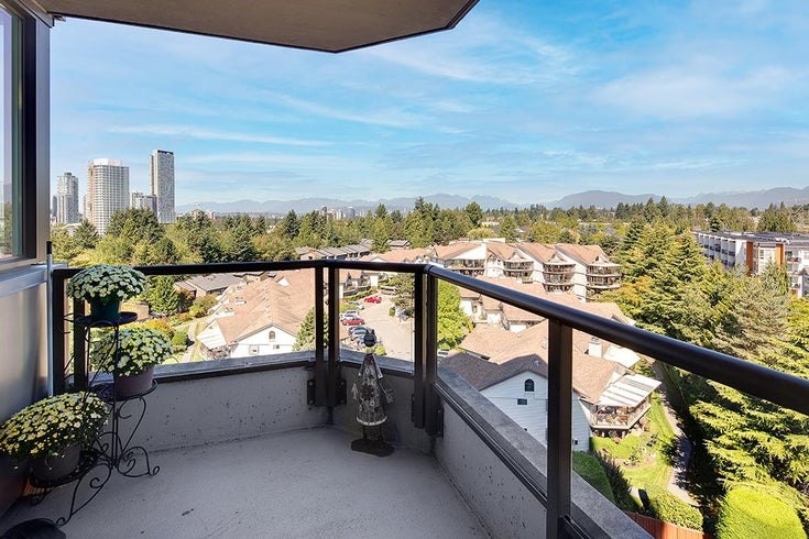 703 13880 101 AVENUE - Whalley Apartment/Condo for sale, 2 Bedrooms (R2614230)