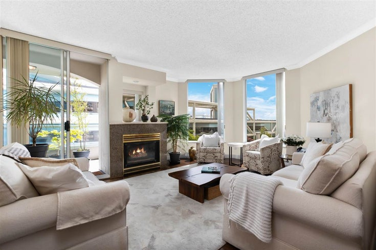 403 168 CHADWICK COURT - Lower Lonsdale Apartment/Condo for sale, 3 Bedrooms (R2614876)