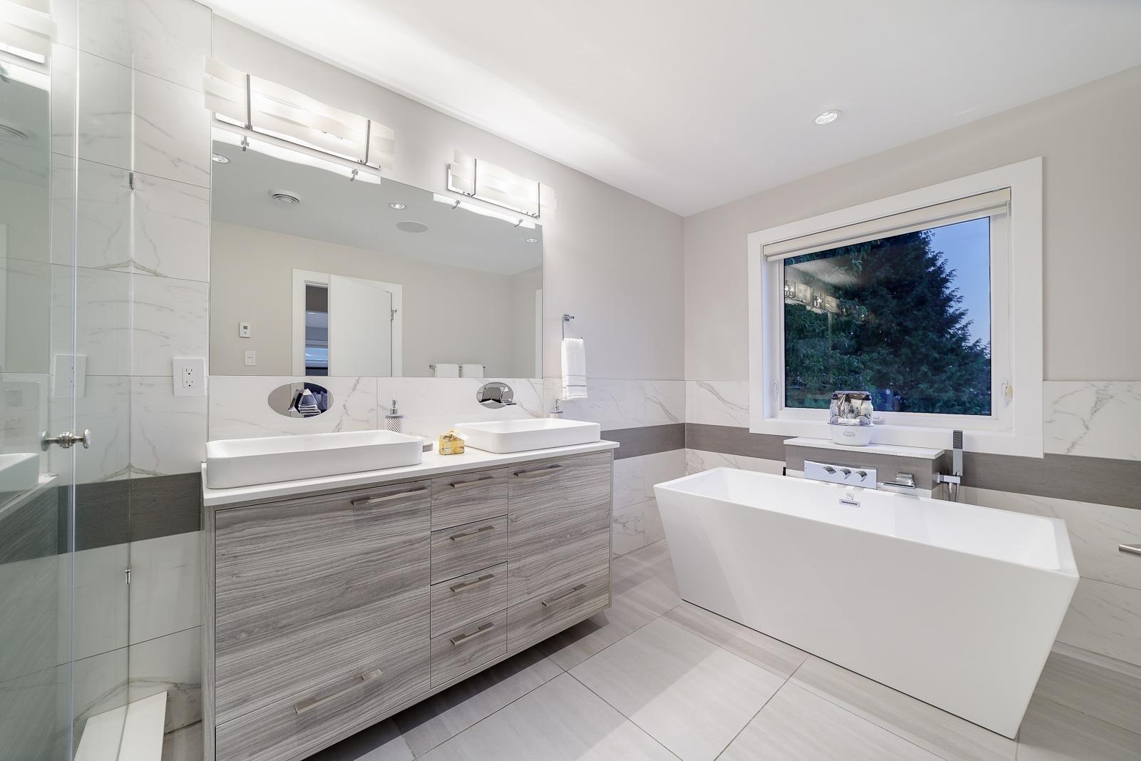 517 GRANADA CRESCENT - Upper Delbrook House/Single Family for sale, 8 Bedrooms (R2615057) - #17