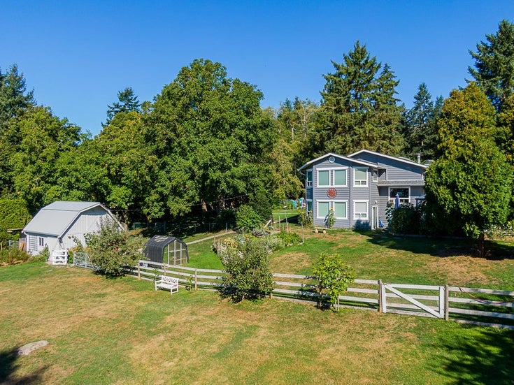17661 16 AVENUE - Hazelmere House with Acreage for sale, 3 Bedrooms (R2615162)