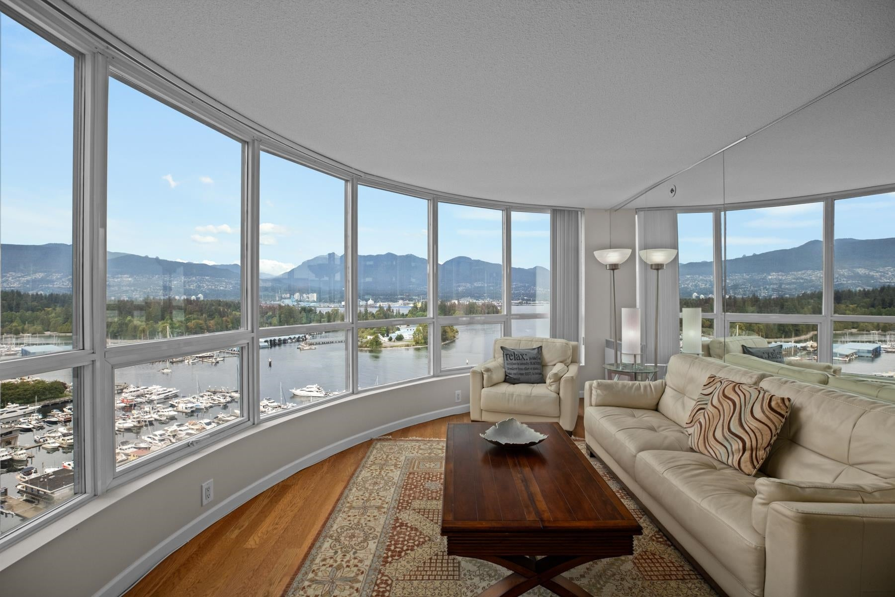 2201 555 JERVIS STREET - Coal Harbour Apartment/Condo for sale, 2 Bedrooms (R2615273) - #1