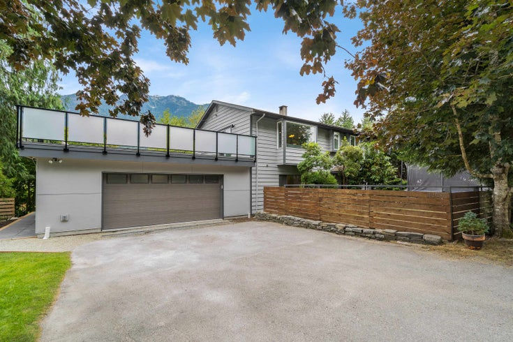 42025 GOVERNMENT ROAD - Brackendale House/Single Family for sale, 4 Bedrooms (R2615355)