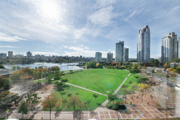 8B 199 DRAKE STREET - Yaletown Apartment/Condo for sale, 3 Bedrooms (R2615511)