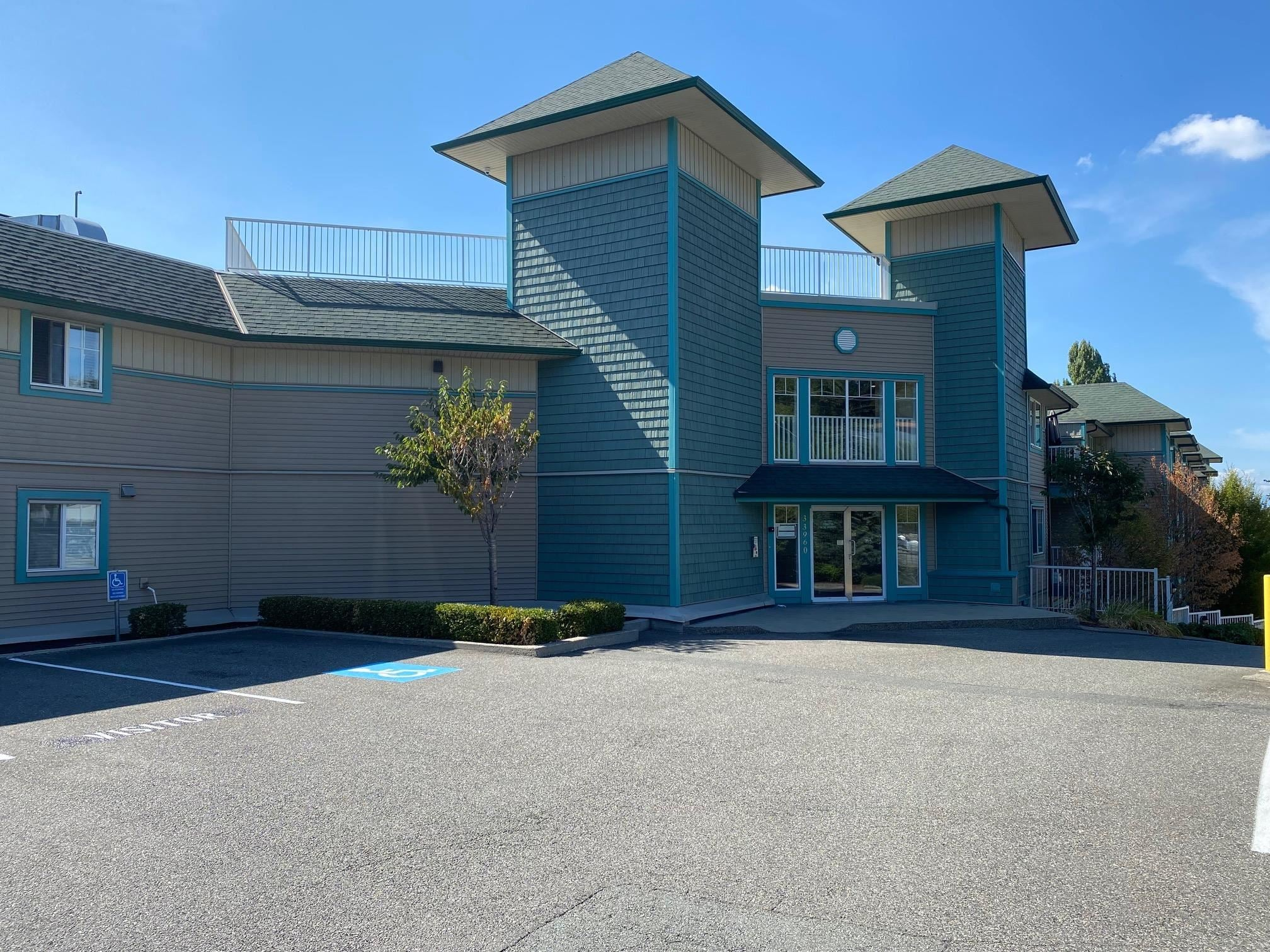 205 33960 OLD YALE ROAD - Central Abbotsford Apartment/Condo for sale, 2 Bedrooms (R2615582) - #1