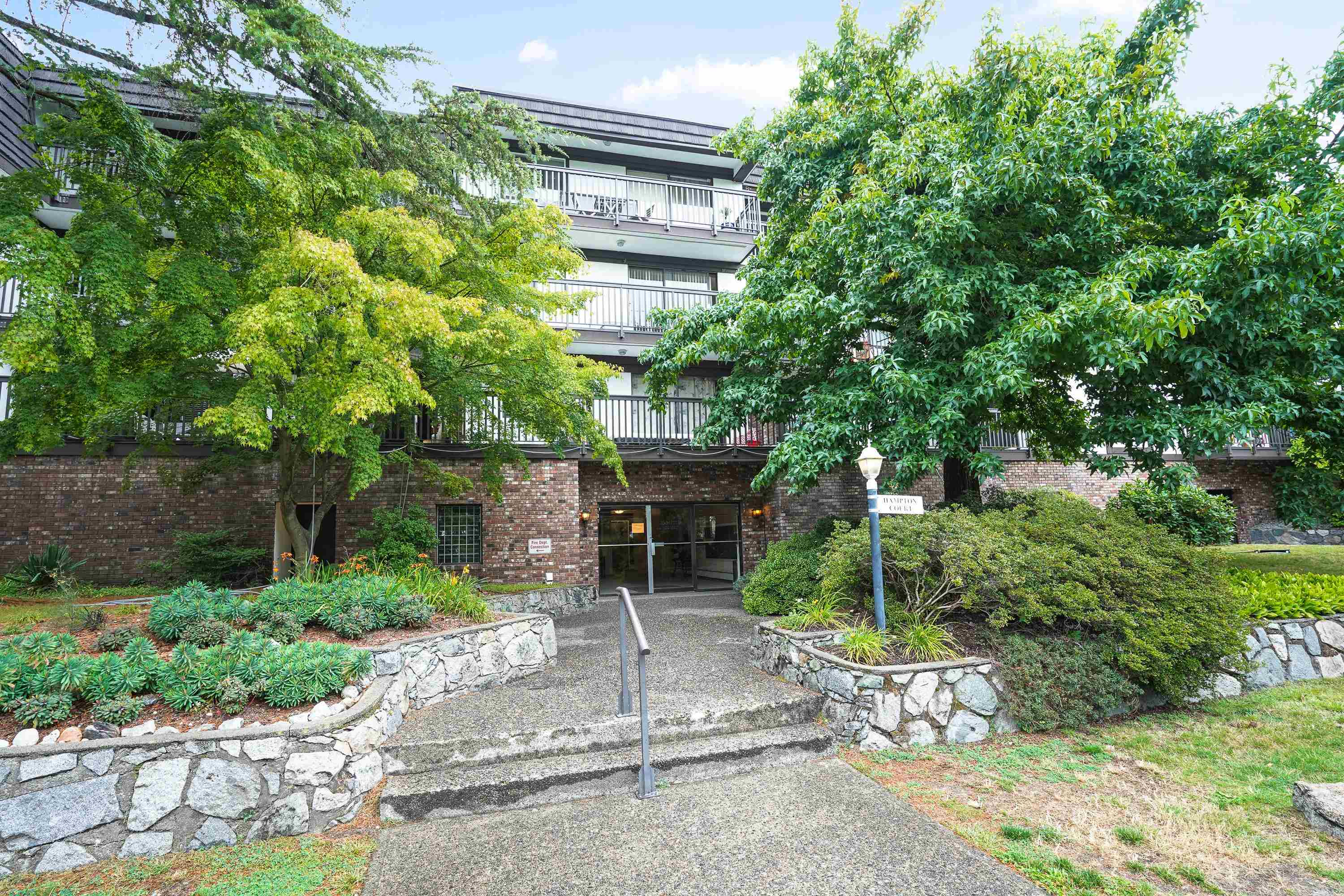 208 270 WEST 3RD STREET - Lower Lonsdale Apartment/Condo for sale, 1 Bedroom (R2615758) - #1