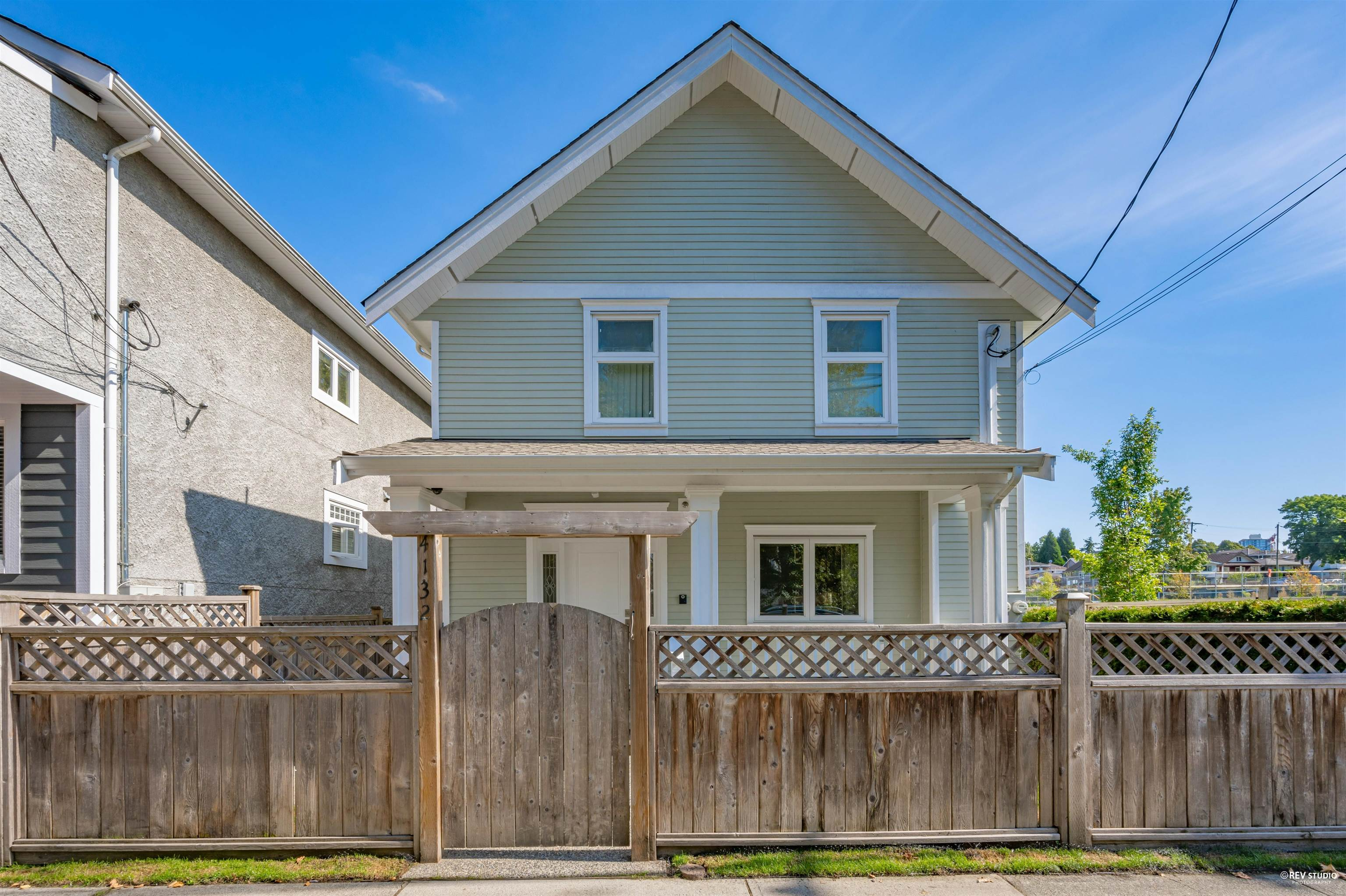 4132 COMMERCIAL STREET - Victoria VE 1/2 Duplex for sale, 3 Bedrooms (R2615850) - #1