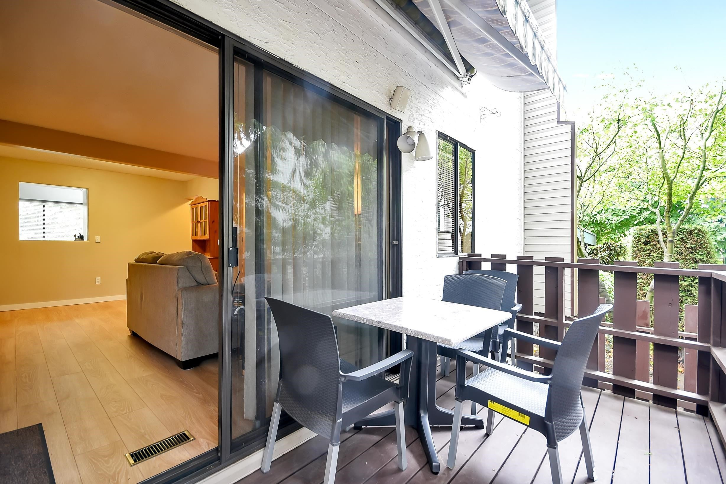 - Queen Mary Park Surrey Townhouse for sale, 3 Bedrooms (R2616033) - #32