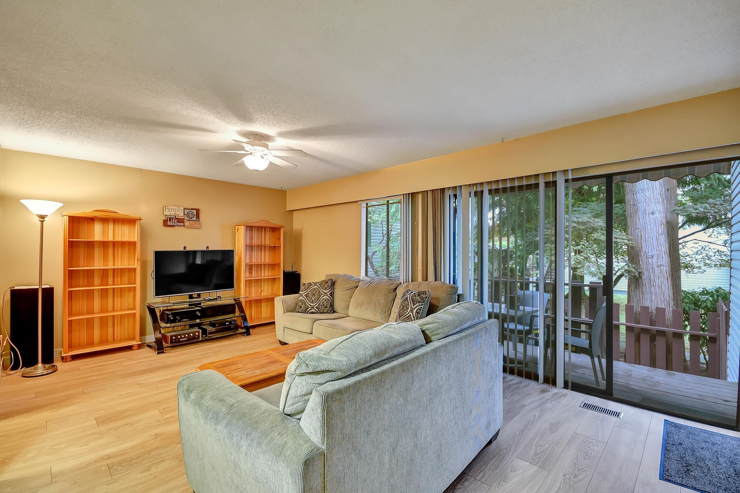 - Queen Mary Park Surrey Townhouse for sale, 3 Bedrooms (R2616033) - #9