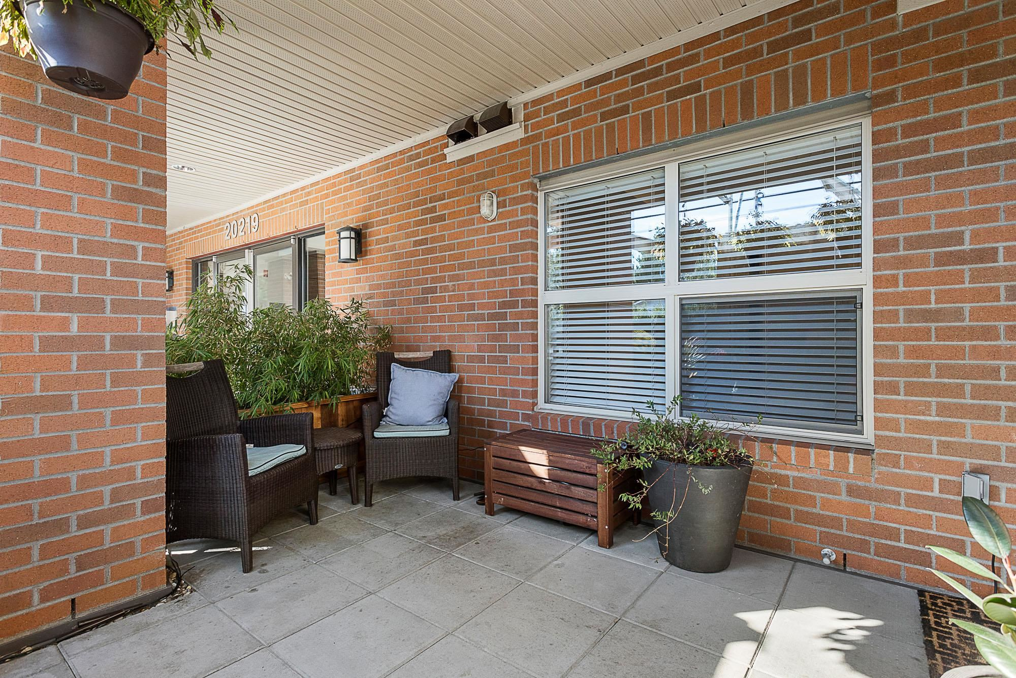 114 20219 54A AVENUE - Langley City Apartment/Condo for sale, 1 Bedroom (R2616172) - #20