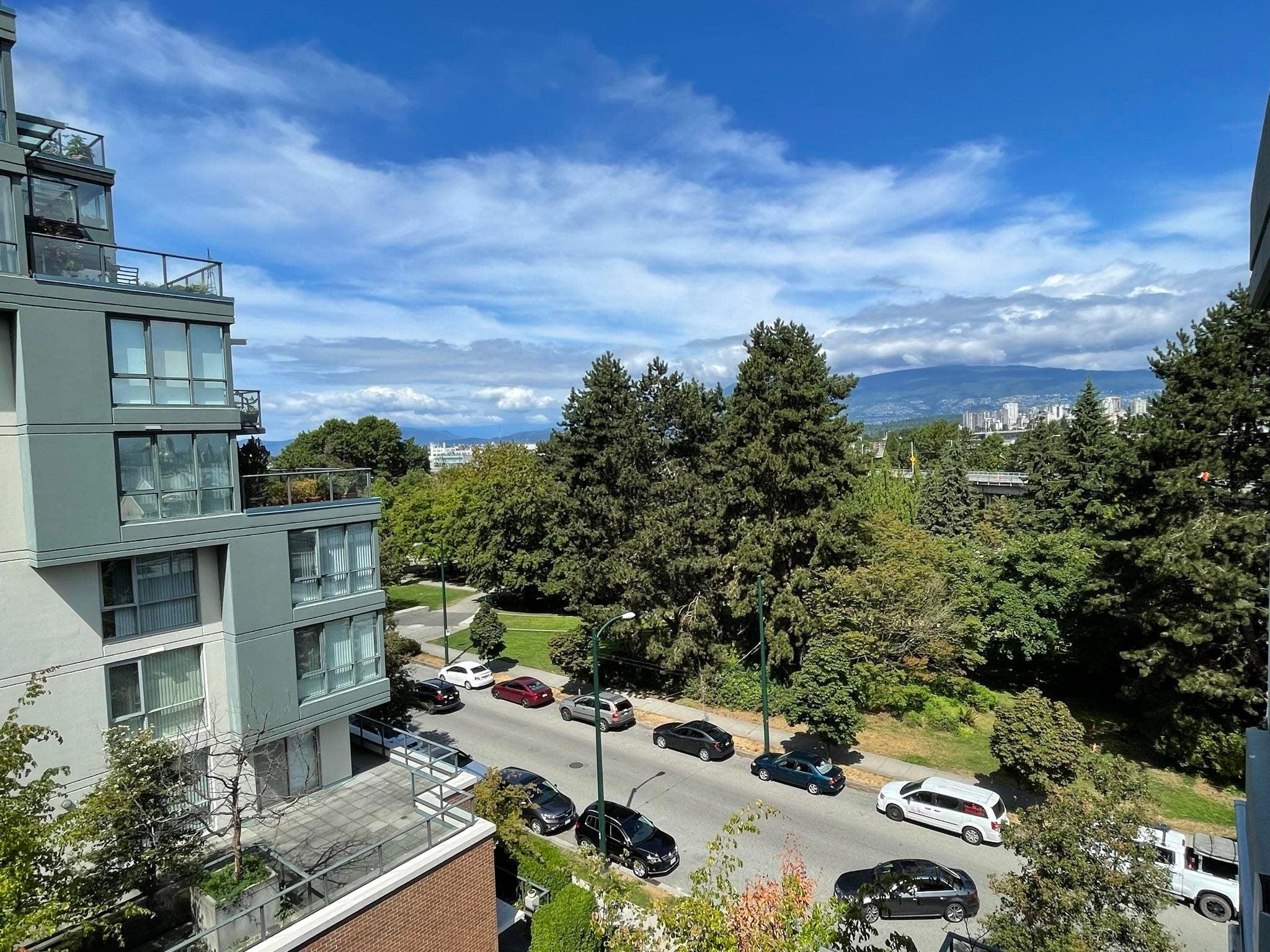 504 1425 W 6TH AVENUE - False Creek Apartment/Condo for sale, 1 Bedroom (R2616190) - #1