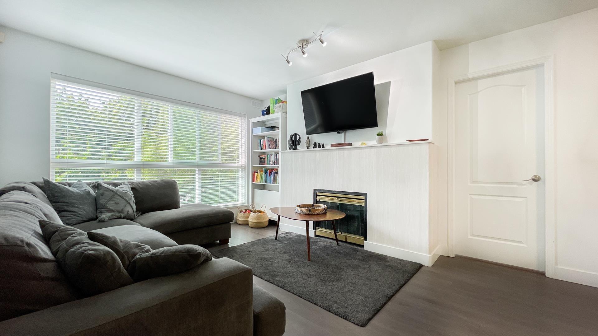 323 5900 DOVER CRESCENT - Riverdale RI Apartment/Condo for sale, 2 Bedrooms (R2616409)