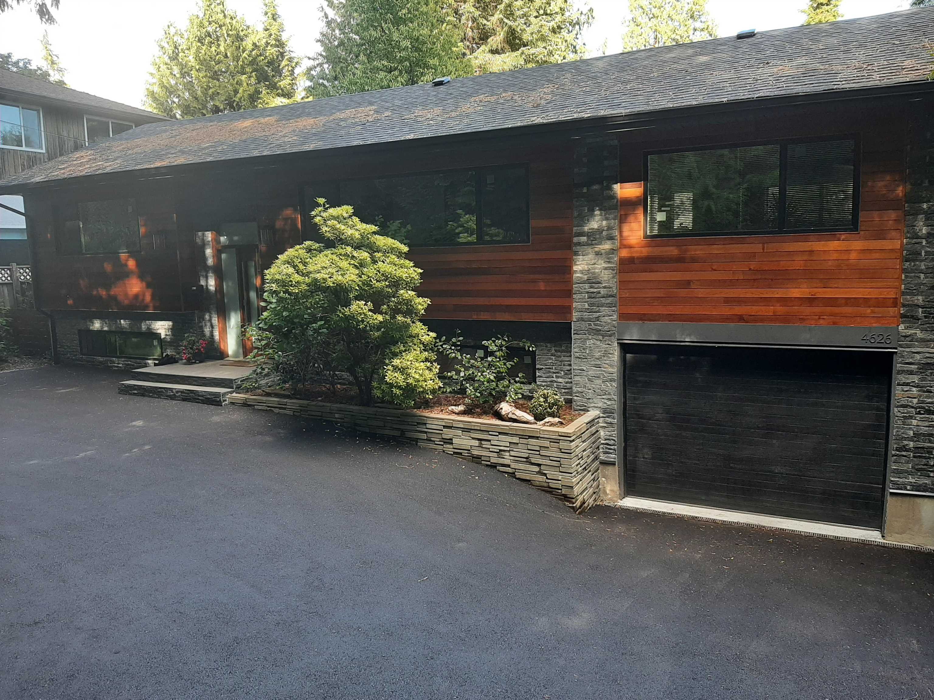4626 MOUNTAIN HIGHWAY - Lynn Valley House/Single Family for sale, 5 Bedrooms (R2616515) - #1