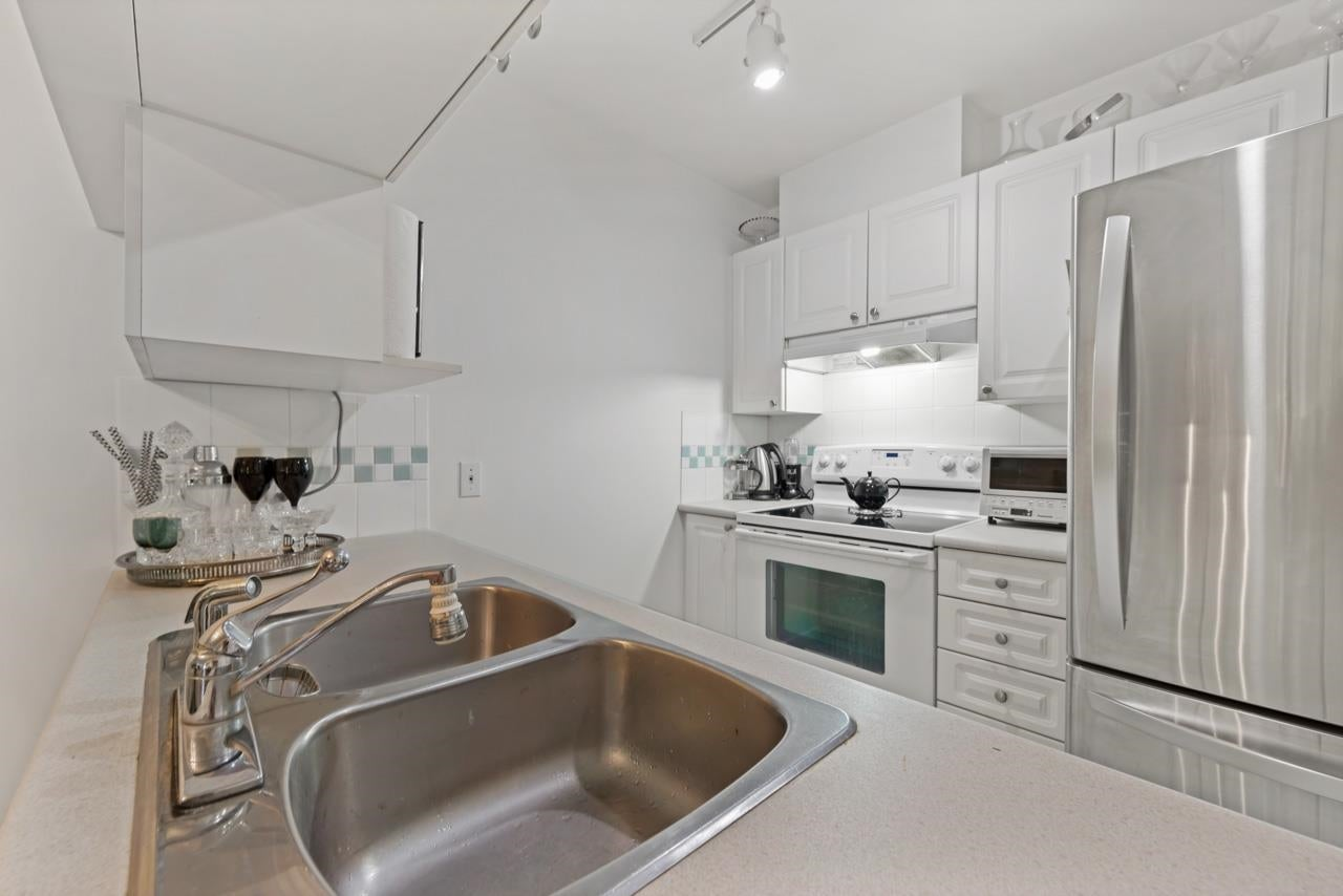 202 929 W 16TH AVENUE - Fairview VW Apartment/Condo for sale, 1 Bedroom (R2616546) - #9