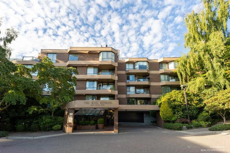 402 3905 SPRINGTREE DRIVE - Quilchena Apartment/Condo for sale, 3 Bedrooms (R2616578)