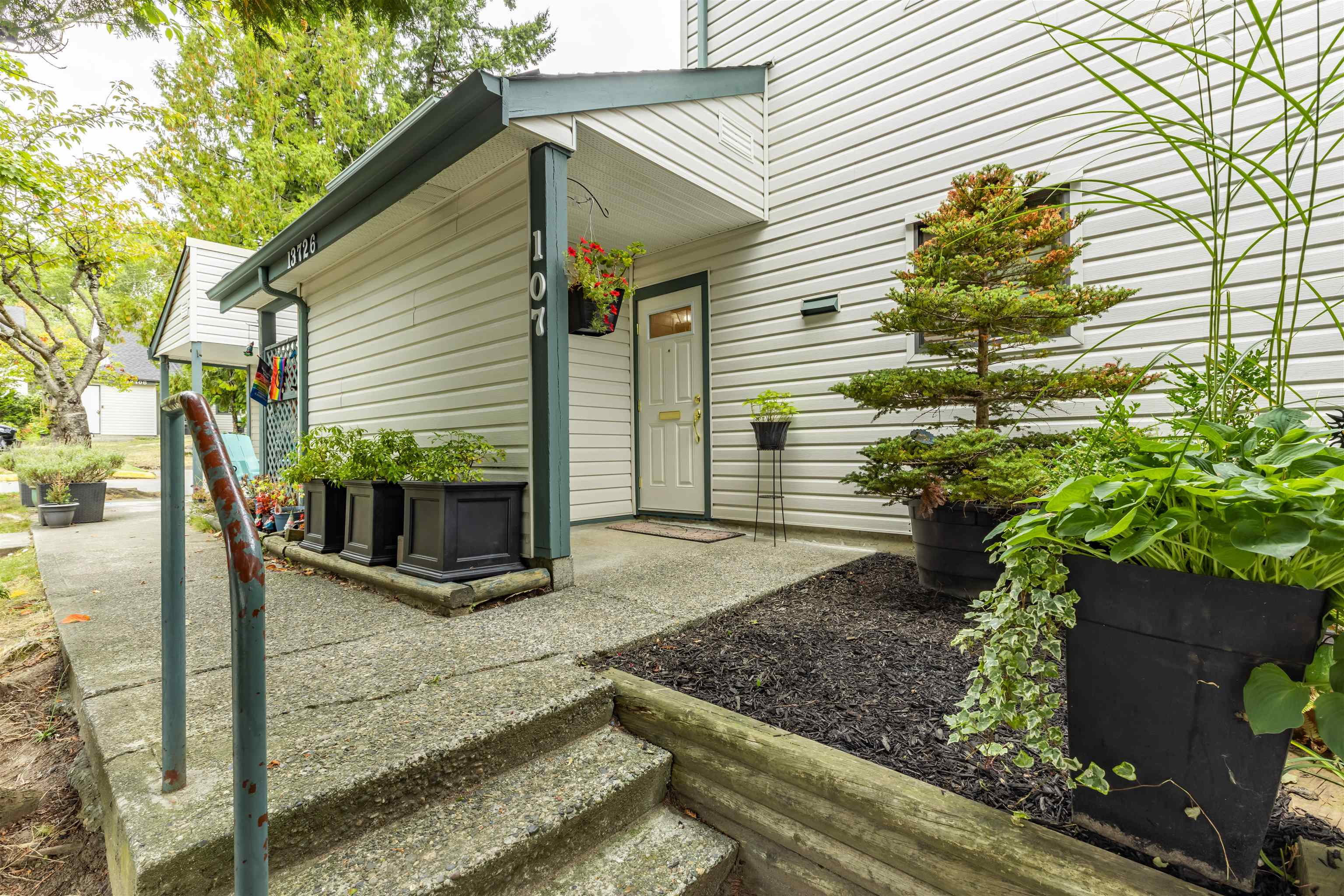 107 13726 67 AVENUE - East Newton Townhouse for sale, 3 Bedrooms (R2616694) - #23