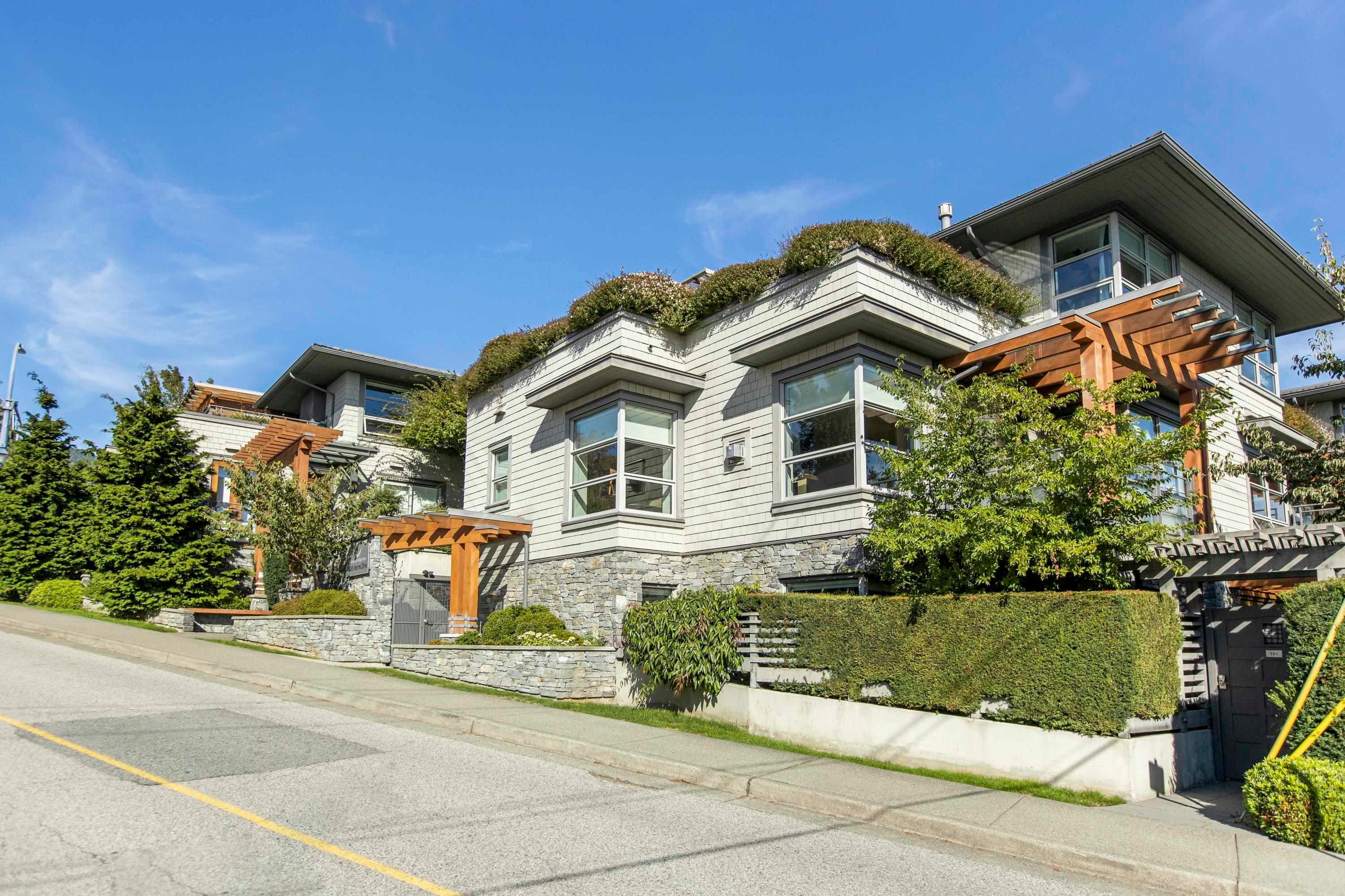 304 2388 MARINE DRIVE - Dundarave Apartment/Condo for sale, 2 Bedrooms (R2616698) - #1