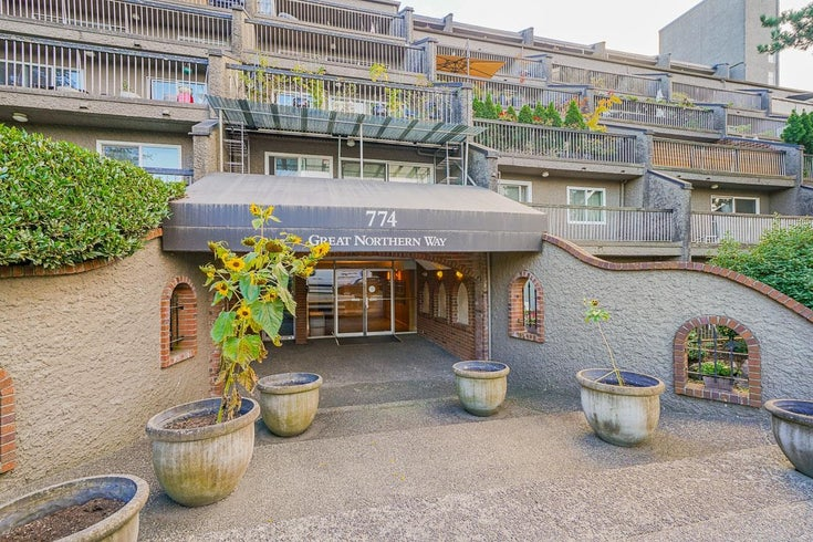 208 774 GREAT NORTHERN WAY - Mount Pleasant VE Apartment/Condo for sale, 1 Bedroom (R2616976)