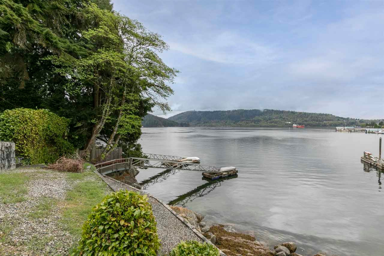 4511 STONEHAVEN AVENUE - Deep Cove House/Single Family for sale, 4 Bedrooms (R2617043) - #4