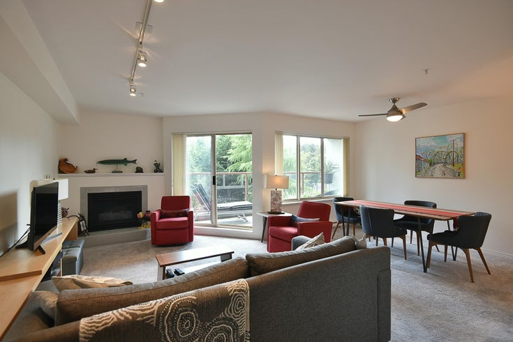 204 5780 TRAIL AVENUE - Sechelt District Apartment/Condo for sale, 1 Bedroom (R2617192)