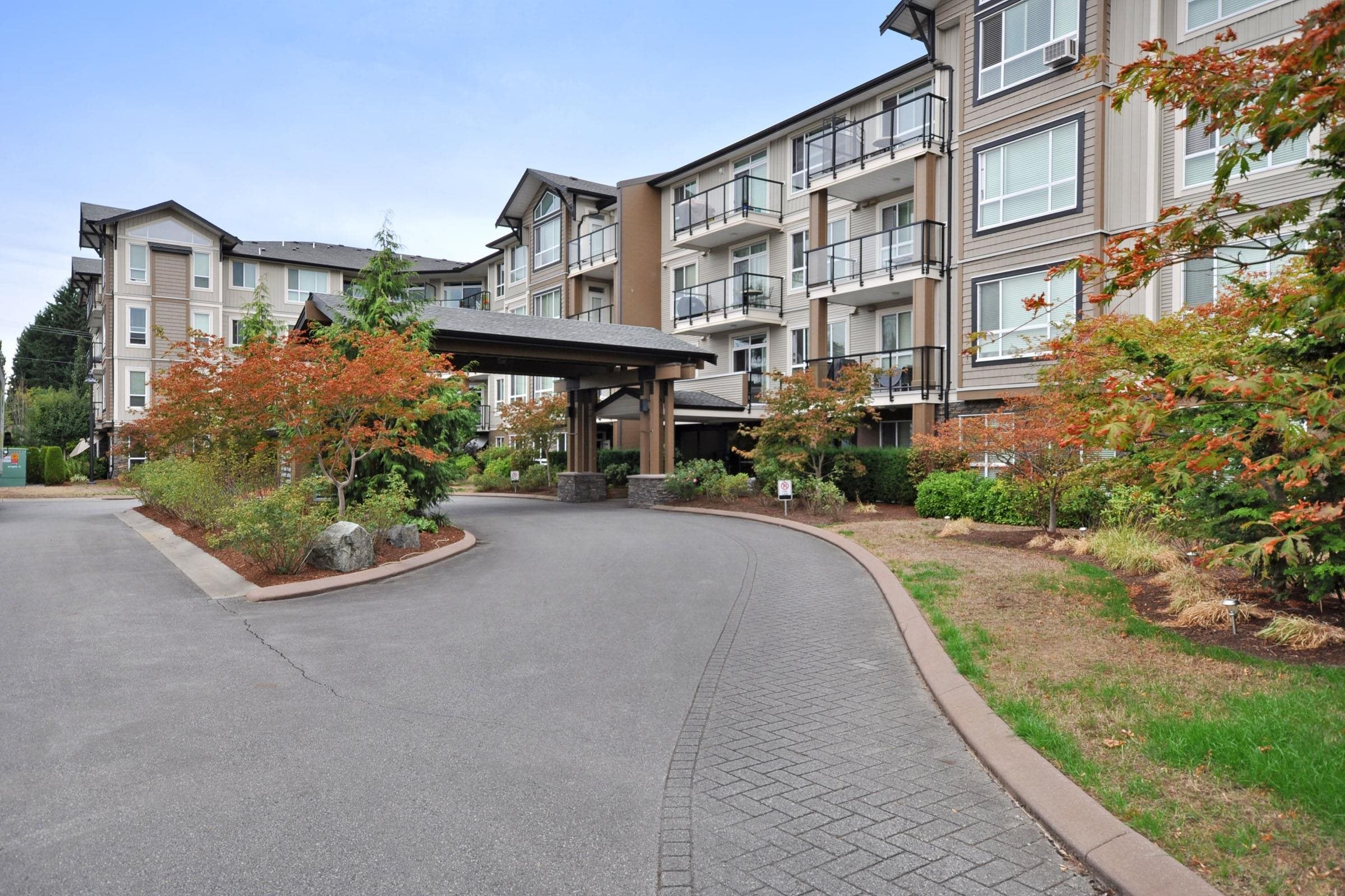 215 32729 GARIBALDI DRIVE - Abbotsford West Apartment/Condo for sale, 2 Bedrooms (R2617228) - #1