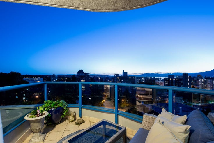 11 1350 W 14TH AVENUE - Fairview VW Apartment/Condo for sale, 3 Bedrooms (R2617277)