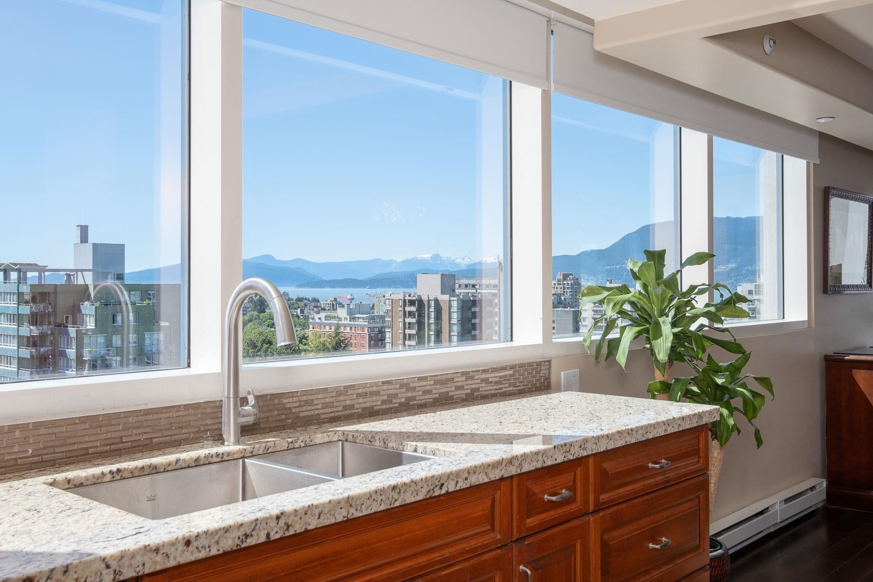 11 1350 W 14TH AVENUE - Fairview VW Apartment/Condo for sale, 3 Bedrooms (R2617277) - #27