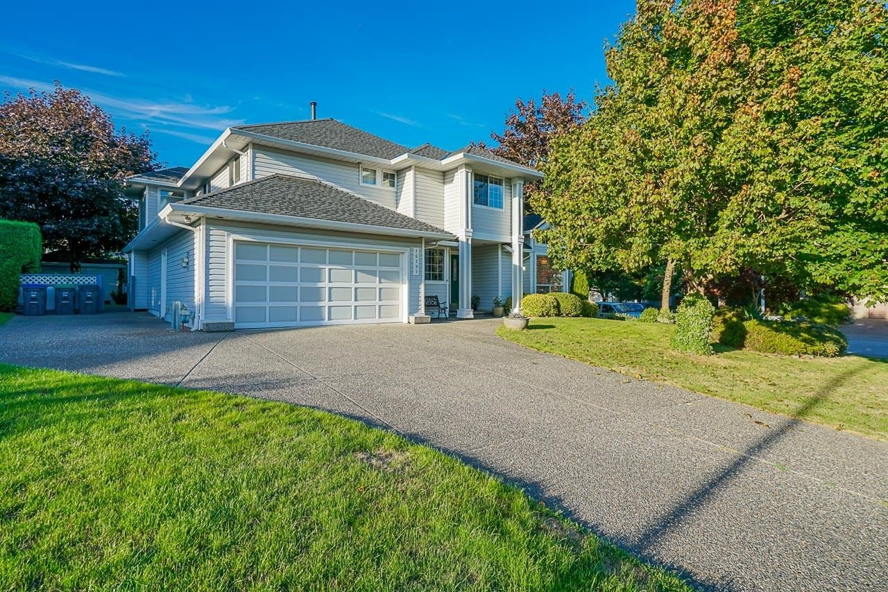 16197 90A AVENUE - Fleetwood Tynehead House/Single Family for sale, 5 Bedrooms (R2617478)