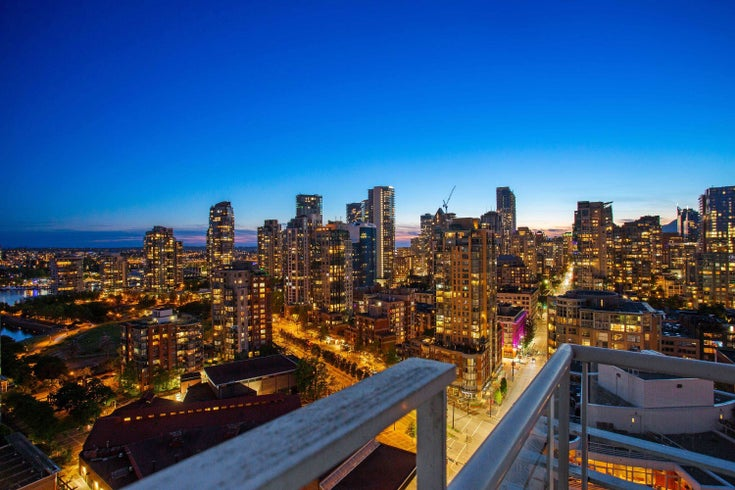 2706 1199 MARINASIDE CRESCENT - Yaletown Apartment/Condo for sale, 1 Bedroom (R2617565)