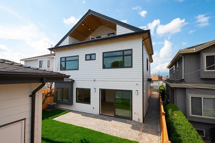 3590 FALAISE AVENUE - Renfrew Heights 1/2 Duplex for sale, 4 Bedrooms (R2617592)