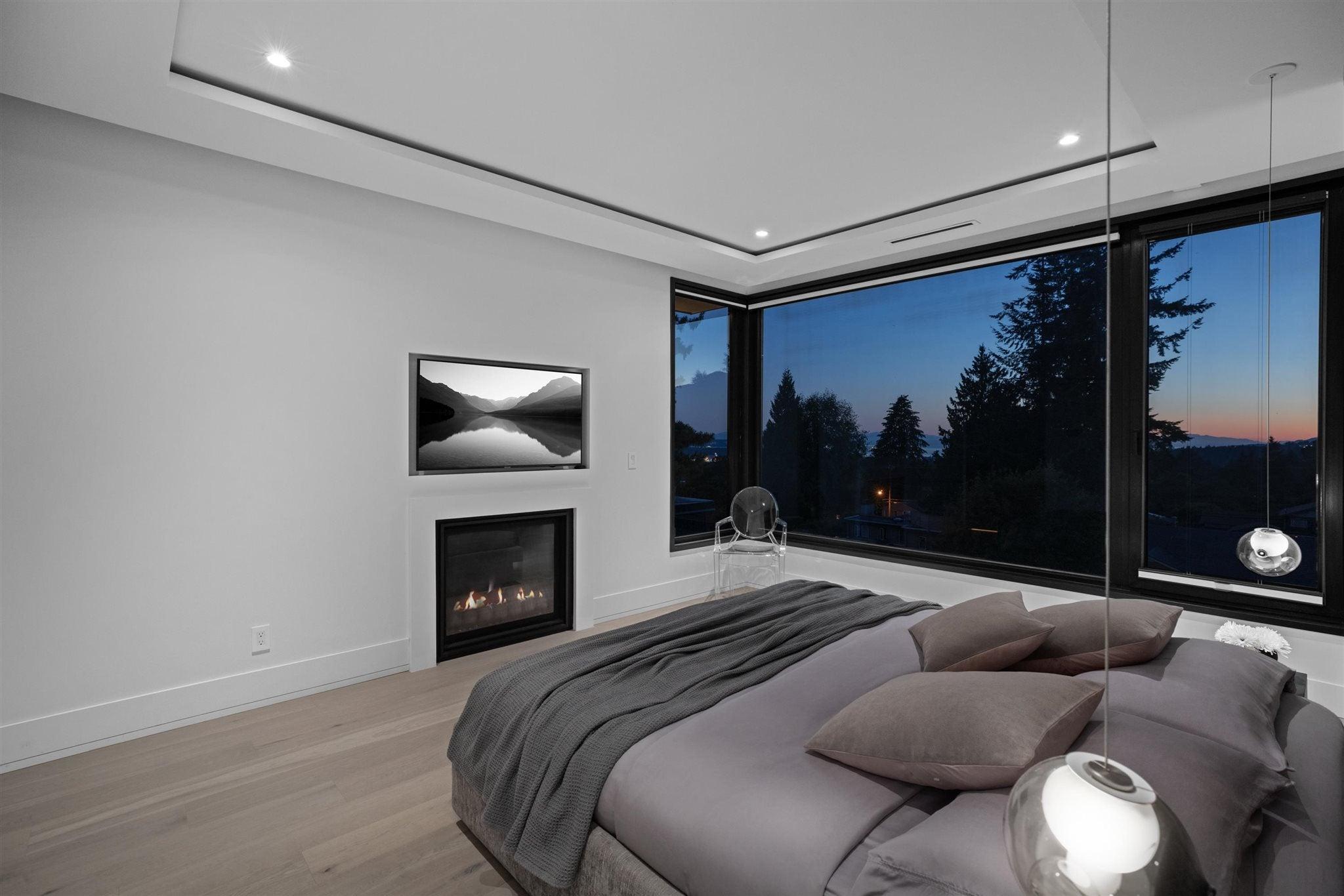 276 SANDRINGHAM CRESCENT - Upper Lonsdale House/Single Family for sale, 7 Bedrooms (R2617703) - #23