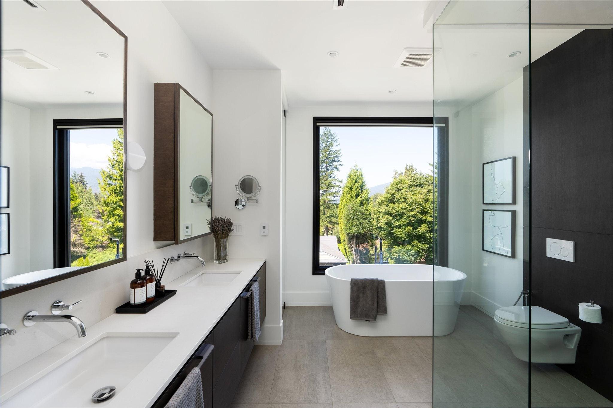 276 SANDRINGHAM CRESCENT - Upper Lonsdale House/Single Family for sale, 7 Bedrooms (R2617703) - #25