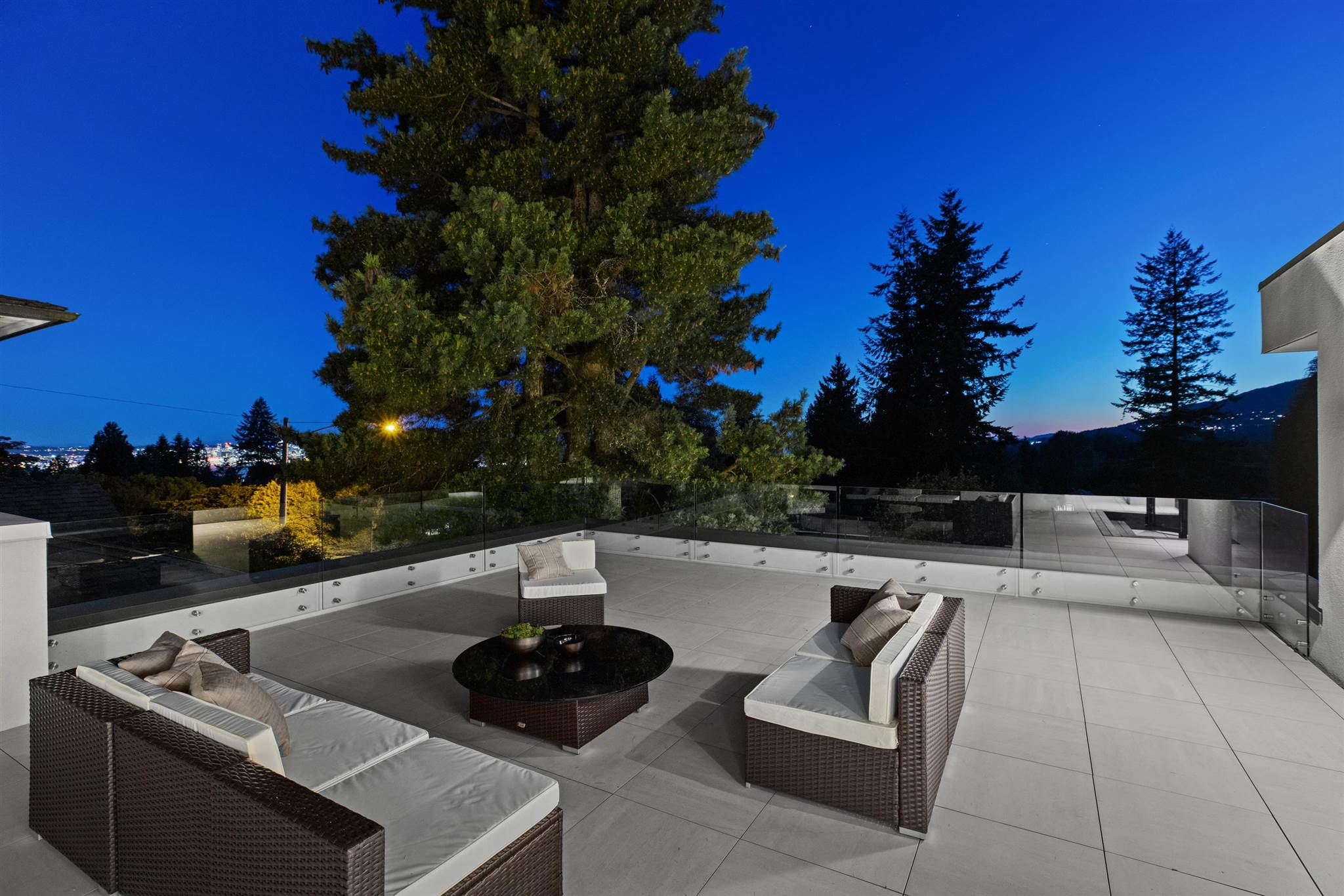 276 SANDRINGHAM CRESCENT - Upper Lonsdale House/Single Family for sale, 7 Bedrooms (R2617703) - #33