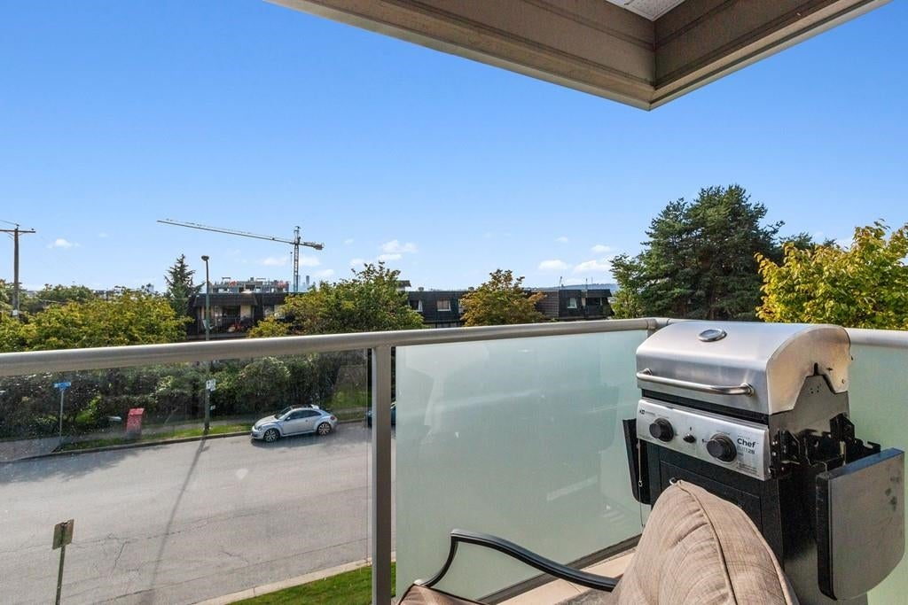 207 308 W 2ND STREET - Lower Lonsdale Apartment/Condo for sale, 2 Bedrooms (R2617707) - #17