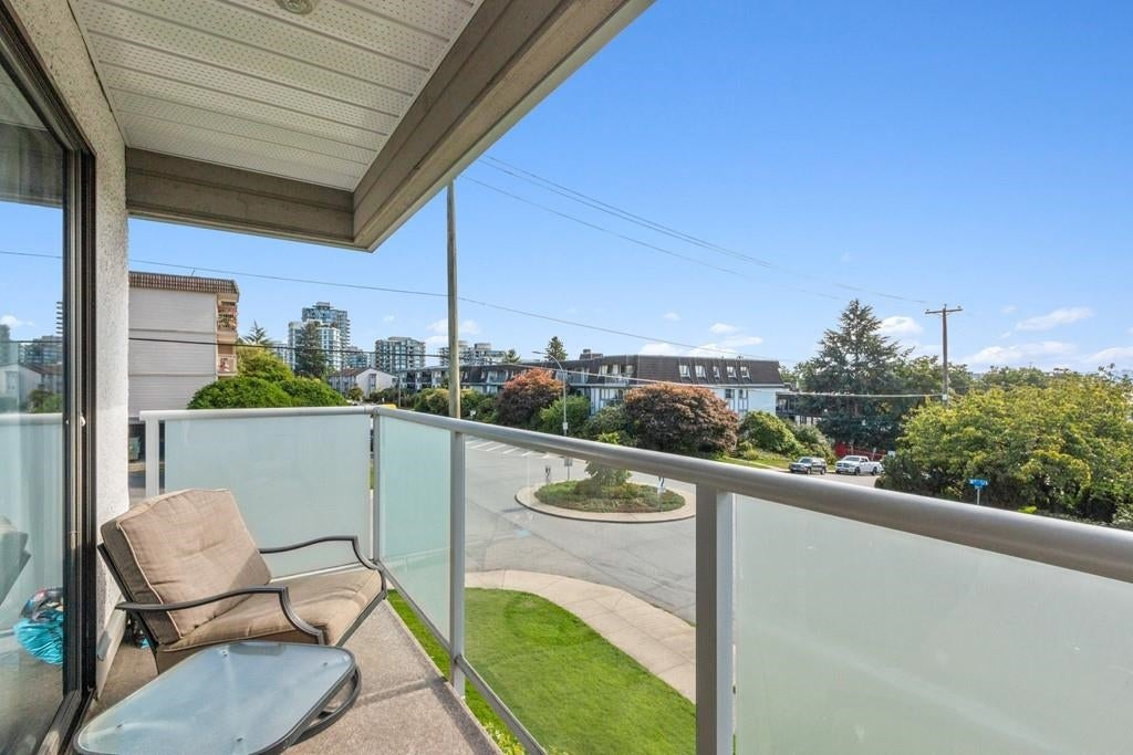 207 308 W 2ND STREET - Lower Lonsdale Apartment/Condo for sale, 2 Bedrooms (R2617707) - #18