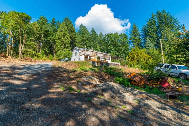 2375 LOUGHEED HIGHWAY - Mt Woodside House/Single Family for sale, 3 Bedrooms (R2617751)