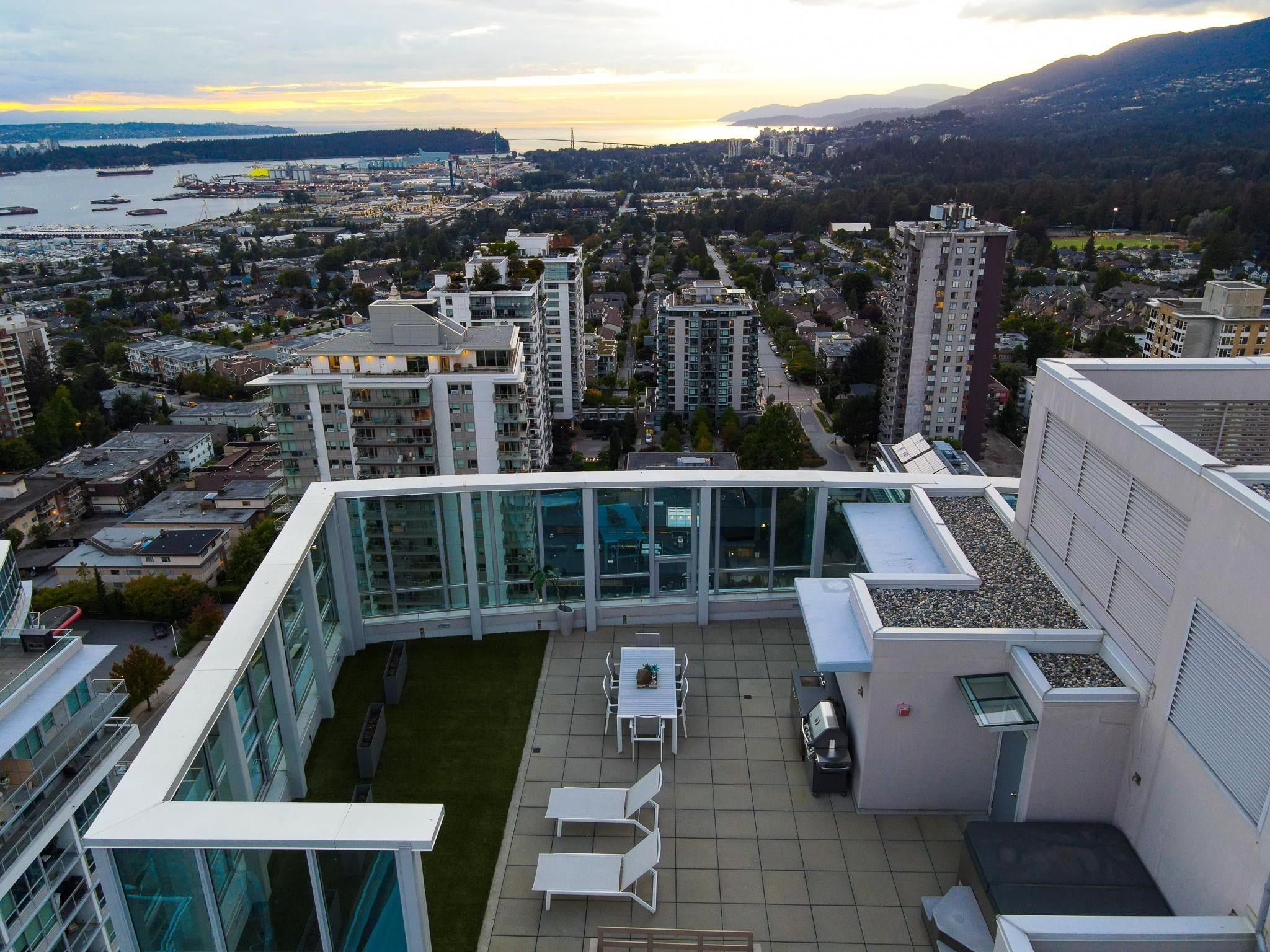 2402 125 E 14TH STREET - Central Lonsdale Apartment/Condo for sale, 2 Bedrooms (R2617870) - #36